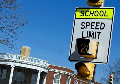 Image of a speed sign and light